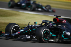 "Льюис Хэмилтон выиграл Гран-при Великобритании ""Формулы-1"""