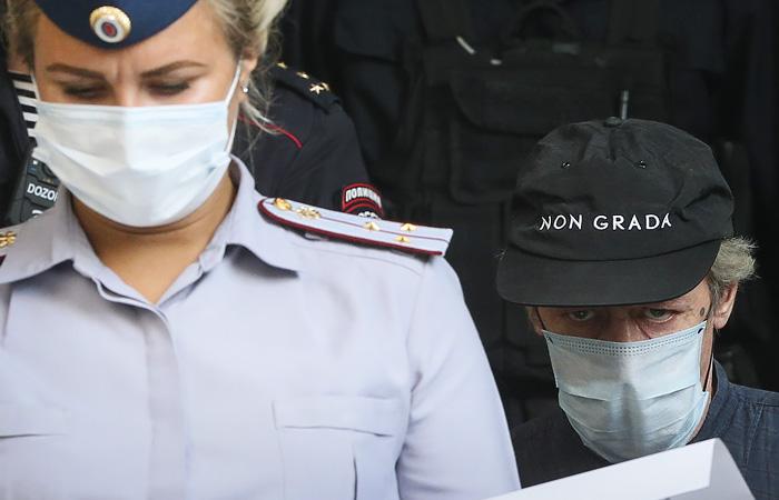 Экспертиза ДНК подтвердила, что Ефремов был за рулем во время ДТП