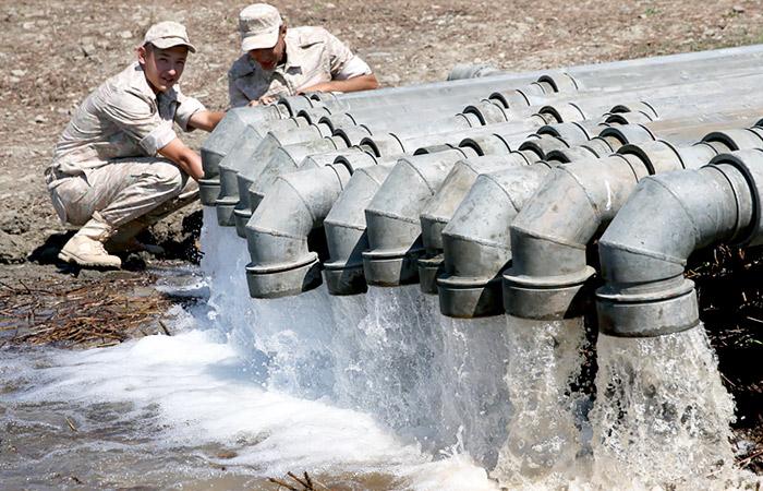 Военные построили трубопровод для переброски воды в Симферополь