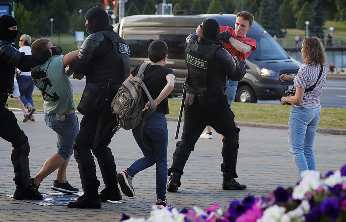 Лукашенко созвал совещание по протестам