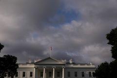 Сенатор призвал Белый дом не отправлять в Минск американского посла
