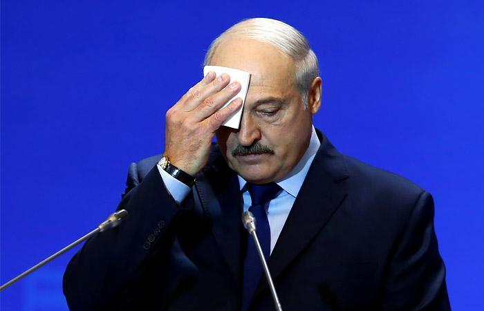 Президент Белоруссии опроверг информацию об отъезде из страны