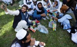 Власти Афганистана освободили 80 осужденных талибов из 400