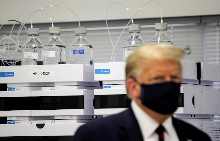 CNN узнал об отказе США от помощи России в разработке COVID-вакцины