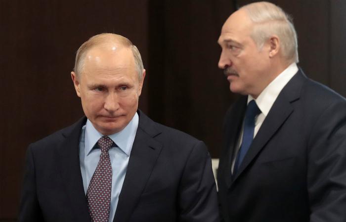 Лукашенко заявил о планах обсудить ситуацию в стране с Путиным
