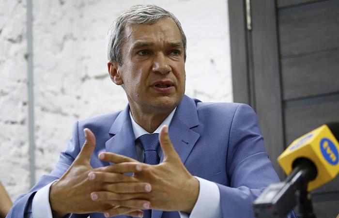 """Оппозиционер заявил об """"итальянской забастовке"""" белорусских чиновников"""