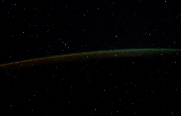 Эксперт счел увиденные с МКС неопознанные объекты космическим мусором