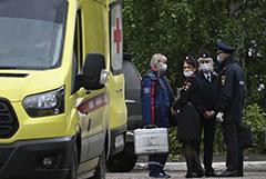Пресс-секретарь Навального сообщила о намерении полиции осмотреть его багаж