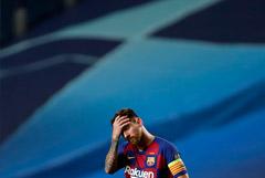 """СМИ сообщили о решении Месси покинуть """"Барселону"""""""