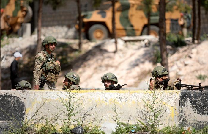 Турки нанесли ответный удар после обстрела совместного с РФ патруля в Идлибе