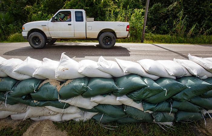 Ураган Лаура поднял цену Brent выше $46 за баррель