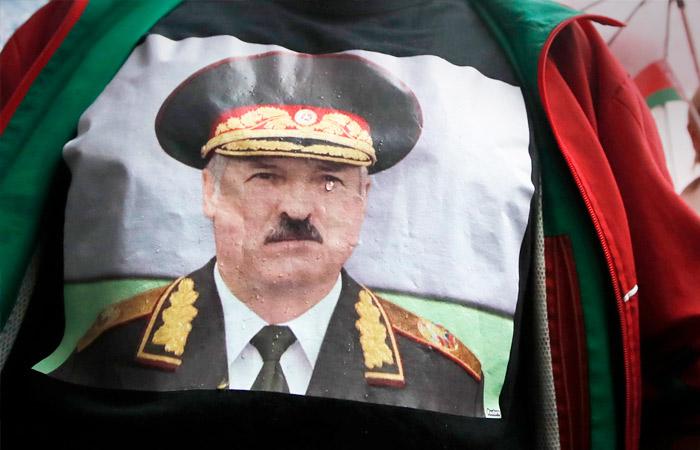 """Лукашенко заявил о """"дипломатической бойне"""" в отношении Белоруссии"""