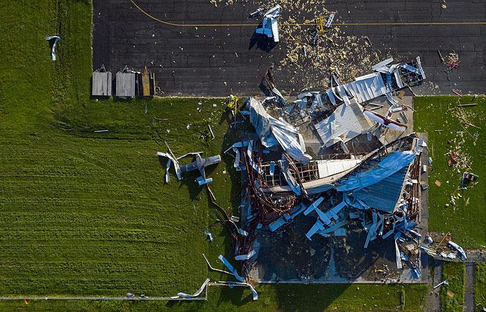 """Число жертв урагана """"Лаура"""" в США достигло 14"""
