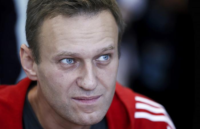 Врачи пока оставили Навального на аппарате ИВЛ