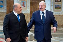 Лукашенко назвал фальсификацией версию об отравлении Навального