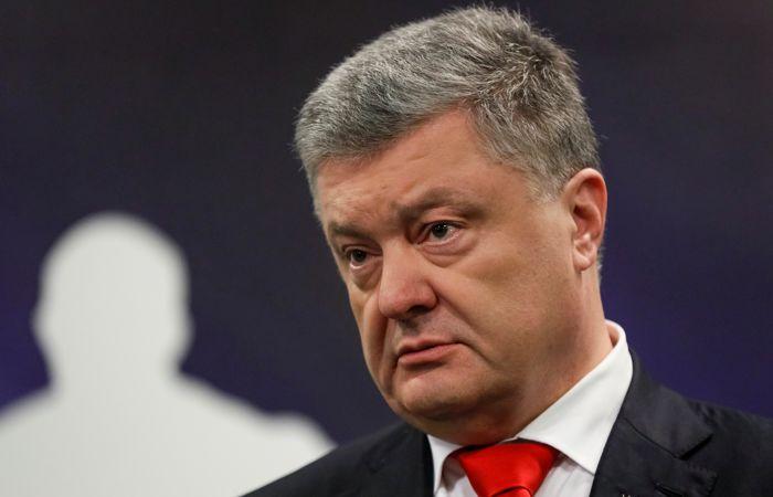 Правительство РФ внесло Порошенко в санкционный список