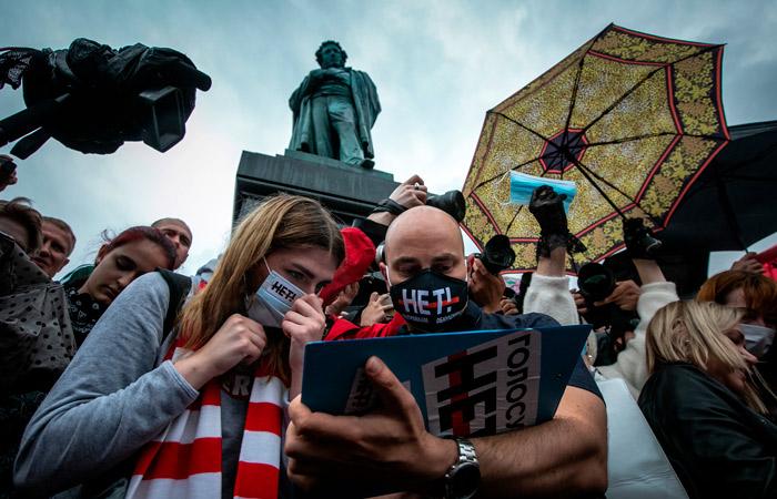 """Исполнительный директор """"Открытой России"""" Пивоваров арестован на 14 суток"""