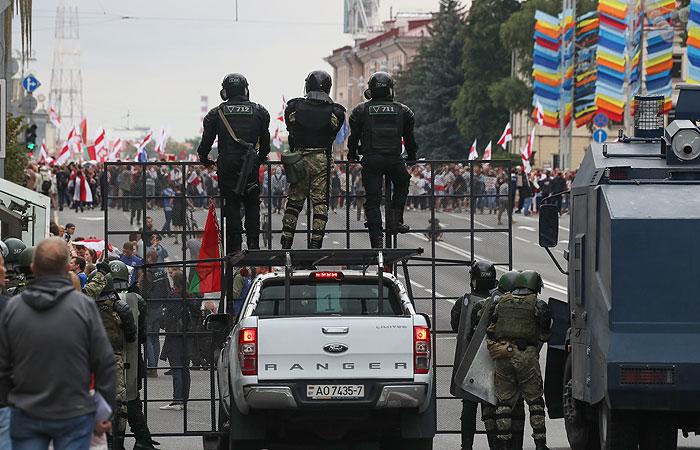 В центре Минска насчитали более 100 тыс. человек на акции оппозиции