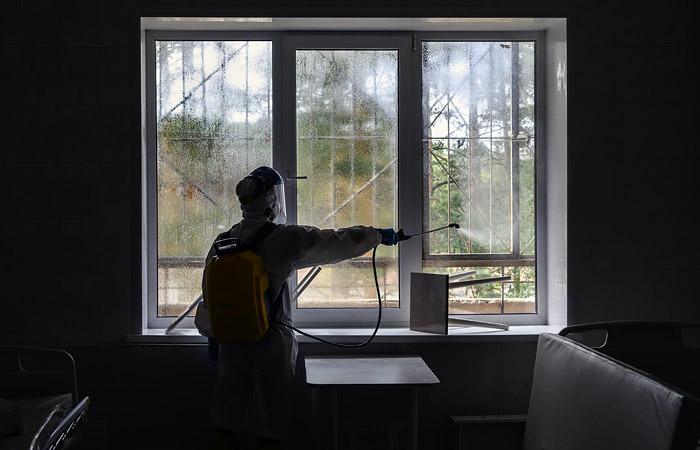 В российских больницах выявили почти 1 тыс. очагов COVID-19