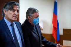 Суд признал Ефремова виновным в смертельном ДТП