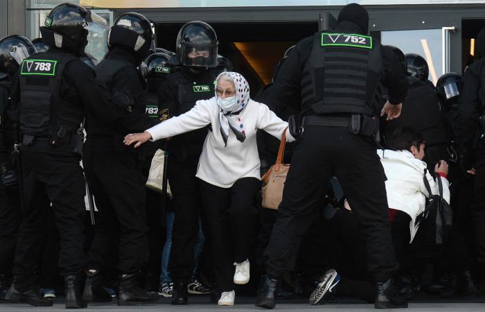 В МВД Белоруссии сообщили о 250 задержанных на акции в Минске