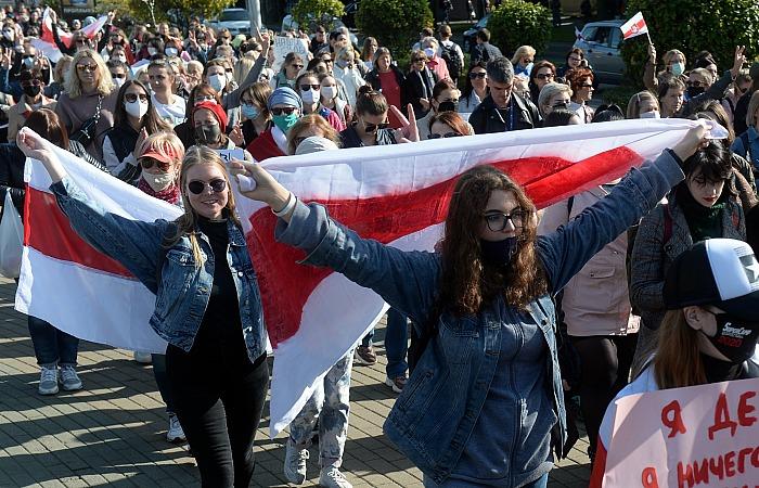 """В Минске начались задержания в ходе """"женского марша"""""""