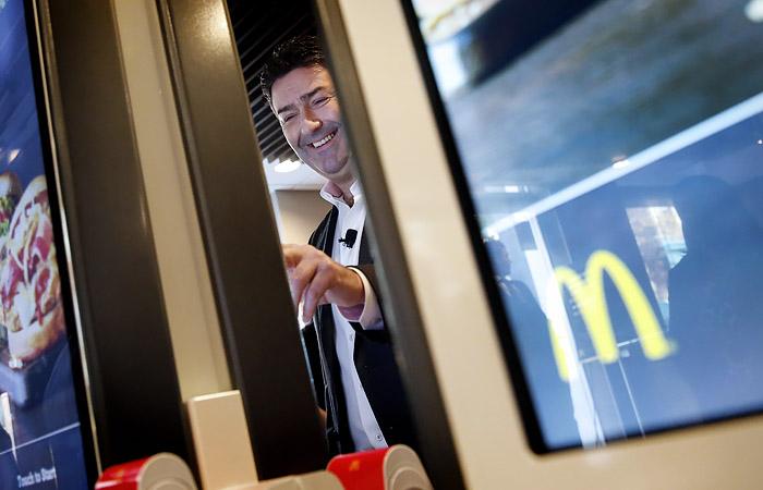 Экс-гендиректор McDonald's не вернет компании выходное пособие