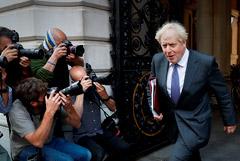 Джонсон объявил о повторном введении в Англии штрафов из-за COVID-19