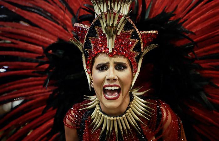 Карнавал в Рио отложили из-за коронавируса