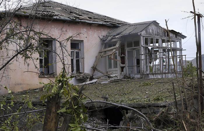 Ереван сообщил о масштабном наступлении азербайджанских сил в Карабахе