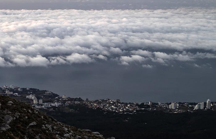 Эксперты назвали аномальной ситуацию с облаками в Крыму