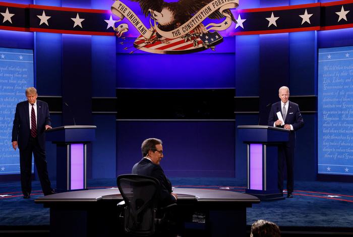 """Байден в ходе дебатов назвал Трампа """"щенком Путина"""""""