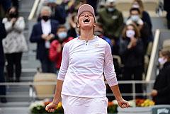 Полячка Швентек впервые в карьере выиграла Roland Garros