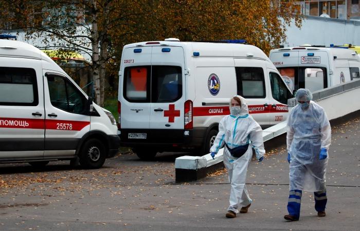 В России COVID-19 диагностирован за сутки почти у 13 тысяч человек