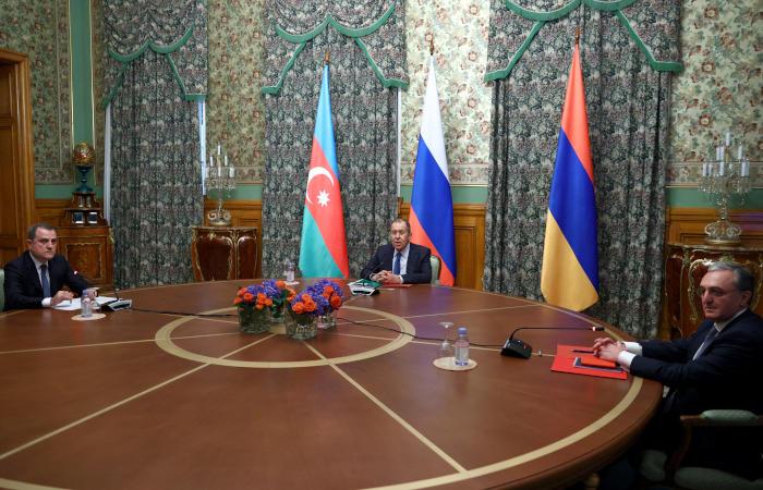 Ереван и Баку договорились о прекращении огня в Карабахе
