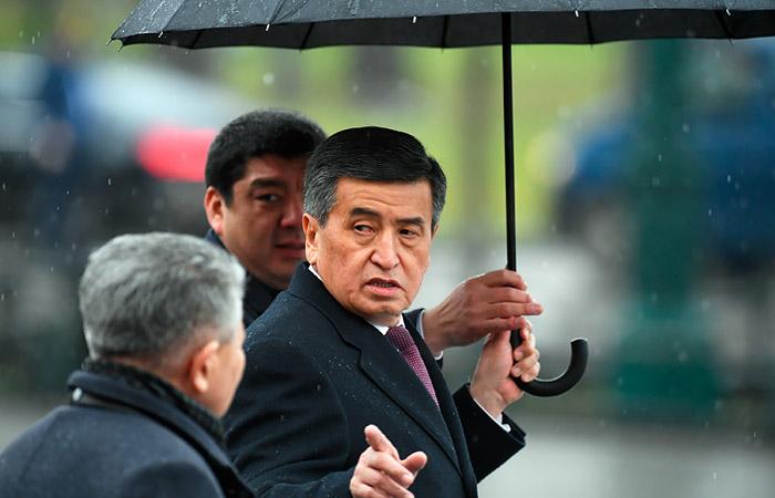 Президент Киргизии Сооронбай Жээнбеков во время церемонии возложения венка к Могиле Неизвестного Солдата в Александровском саду. Максим Блинов/POOL/ТАСС