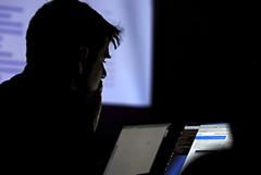 США предъявили шести россиянам обвинения в хакерских атаках в трех странах