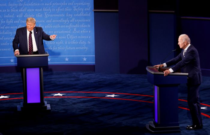 Микрофоны Трампа и Байдена на дебатах выключат на время речи оппонента