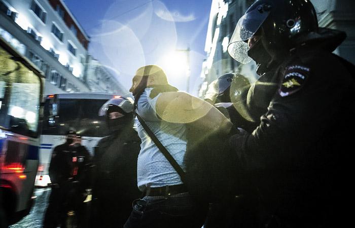 Вирусолог предупредил о массовых беспорядках в случае нового карантина