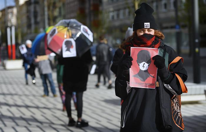 ВПольше запретили делать аборты из-за врожденных пороков уплода