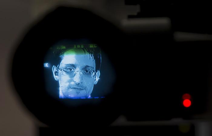 Сноуден заявил о желании получить гражданство РФ