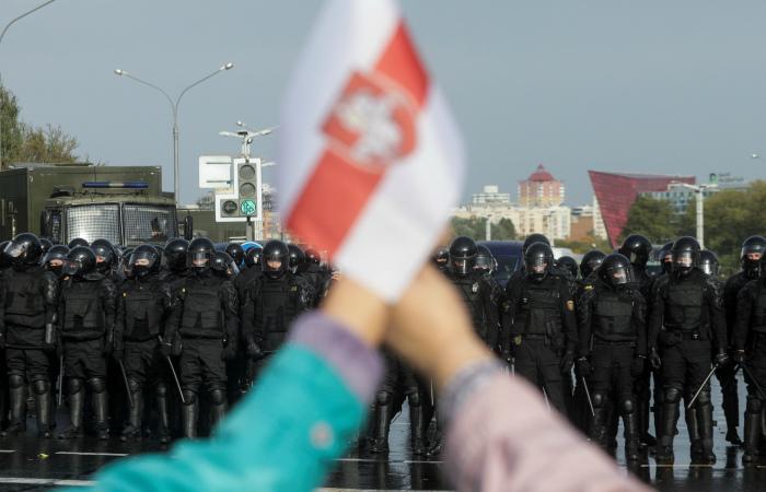 В Минске вновь начали закрывать станции метро перед протестной акцией