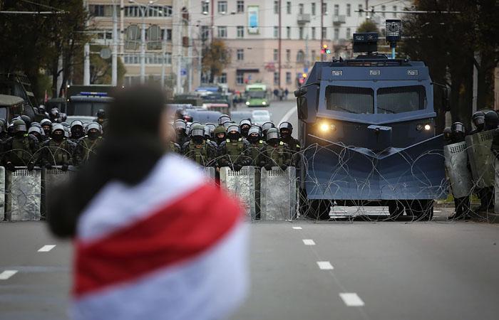 Кремль назвал серьезным для РФ вопросом забастовки в Белоруссии