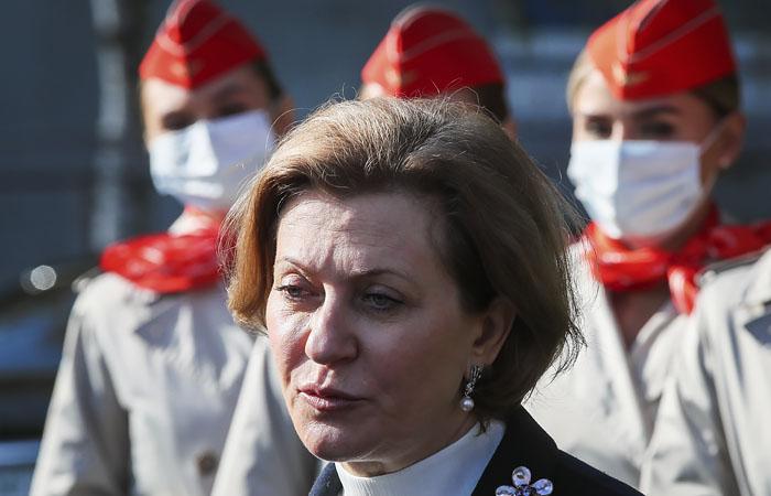 Попова заявила, что большинство заболевших COVID-19 нарушали правила