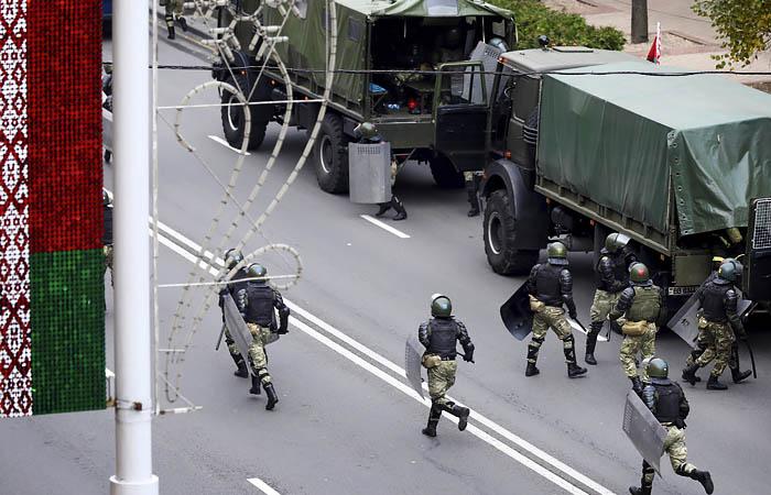 Представитель Коордсовета Латушко посоветовал бастующим белорусам уйти с улиц