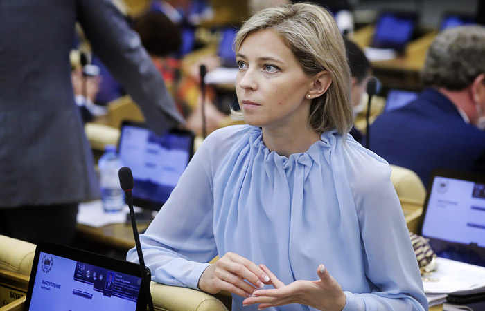 Поклонскую и Милонова не пустили на заседание Думы из-за отказа сдавать COVID-тест