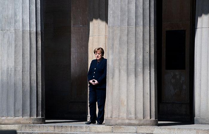 Меркель объявила о закрытии большинства общественных мест со 2 ноября