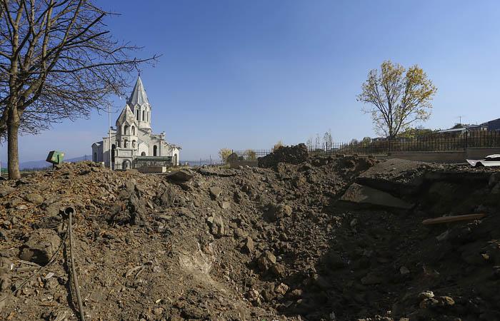 В Карабахе заявили о приближении азербайджанских военных к городу Шуши