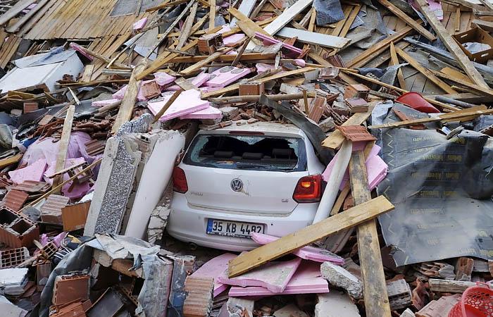 Число жертв землетрясения в Турции выросло до 12