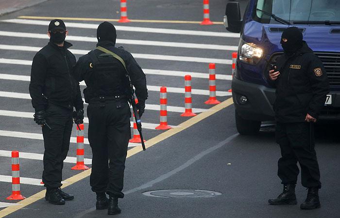 Очевидцы сообщили о более десяти задержанных в центре Минска